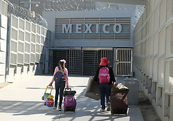November 18, 2018 - Los Angeles, California, U.S - People leave enter the U.S. to Mexico at the San Ysidro Land Port of Entry in San Diego November 18, 2018. (Credit Image: © Ringo Chiu/ZUMA Wire)