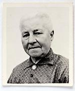 head and shoulder portrait photo of elderly woman 1960s