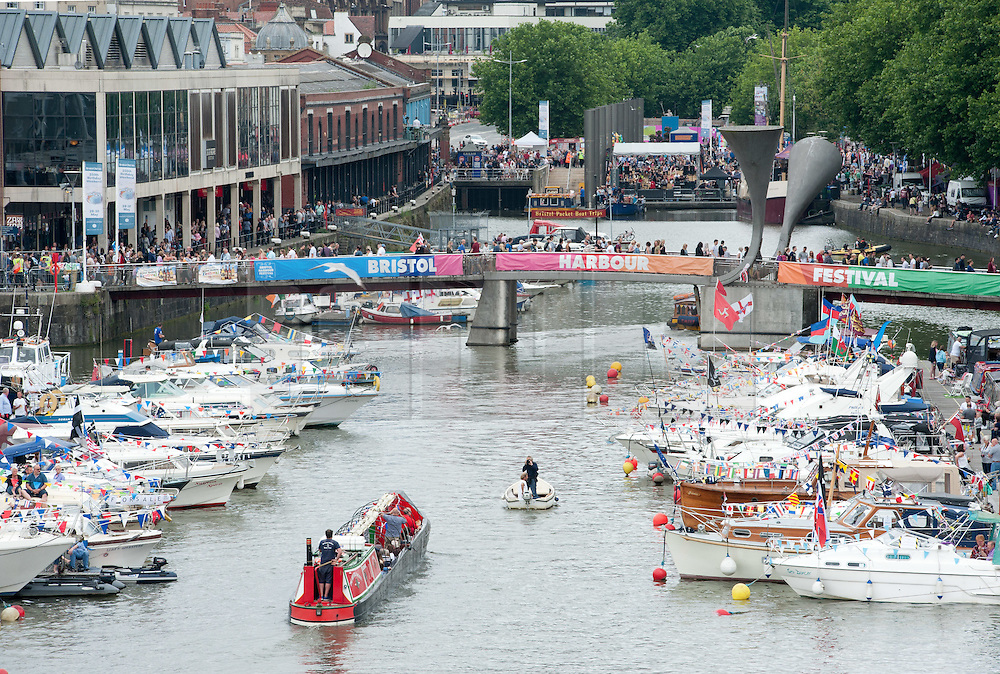© Licensed to London News Pictures.16/07/2016. Bristol, UK.  The Bristol Harbour Festival. The festival started in 1971when a bunch of boat owners headed to the harbour to save the docks from being filled in. They succeeded, and the Bristol Harbour Festival has been going ever since. This year's maritime programme features sea rescue dogs, historic ships, boat racing, flyboarding, steamboats and more. Photo credit : Simon Chapman/LNP