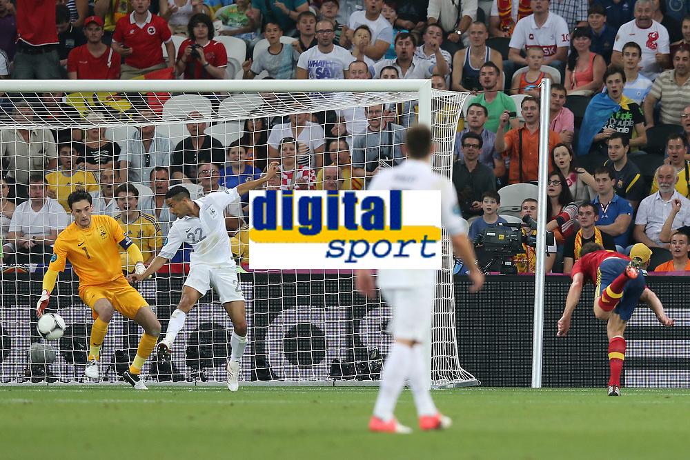 FOOTBALL - UEFA EURO 2012 - DONETSK - UKRAINE  - 1/4 FINAL - SPAIN v FRANCE - 23/06/2012 - PHOTO PHILIPPE LAURENSON /  DPPI - GOAL XABI ALONSO (ESP)