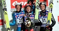 Hopp Ski Jumping<br /> World Cup - Verdenscup<br /> Lillehammer Lysgårdsbakken 02.12.06<br /> Foto: Kasper Wikestad<br /> <br /> Simon Amman und Andreas Kuettel - Sveits Suisse Switzerland - Thomas Morgenstern - Østerrike Österreich Austria