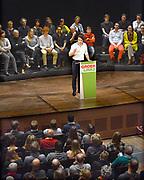 Nederland, Nijmegen, 13-1-2017 Jesse Klaver, lijsttrekker van Groen Links,spreekt voor een volle Vereeniging. Bij binnenkomst wordt hij uitbundig begroet door het publiek.Foto: Flip Franssen