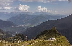 THEMENBILD - die Krefelder Huette an einem heissen Sommertag in der hochalpinen Landschaft, aufgenommen am 13. August 2018 in Kaprun, Österreich // the Krefelder Huette on a hot summer day in the high alpine landscape, Kaprun, Austria on 2018/08/13. EXPA Pictures © 2018, PhotoCredit: EXPA/ JFK