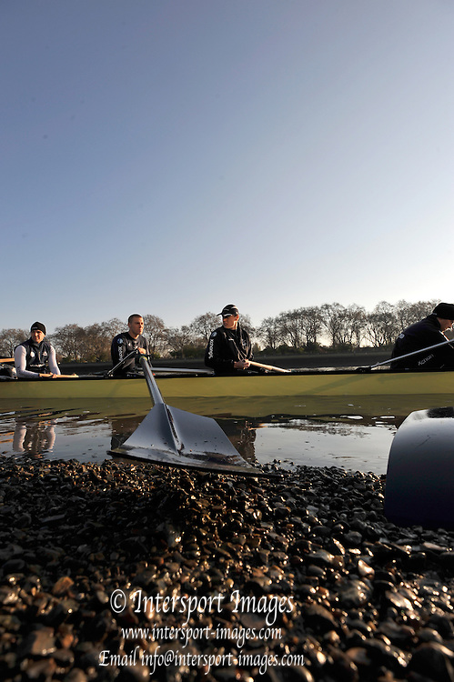 Putney, GREAT BRITAIN,   Oxford BlueBoat boating for the the Friday Morning training session from Putney Hard.  Tideway Week, Championship Course, Putney/Mortlake, Friday   06/04/2012 [Mandatory Credit, Peter Spurrier/Intersport-images], Sunrise, Sunsets, Silhouettes