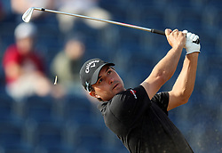 USA's Kevin Kisner tees off the 3rd during day one of The Open Championship 2018 at Carnoustie Golf Links, Angus. PRESS ASSOCIATION Photo. Picture date: Thursday July 19, 2018. See PA story GOLF Open. Photo credit should read: David Davies/PA Wire. RESTRICTIONS: Editorial use only. No commercial use. Still image use only. The Open Championship logo and clear link to The Open website (TheOpen.com) to be included on website publishing.