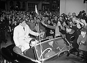 1956 – 22/12 Ronnie Delaney Welcomed Home from Melbourne