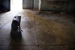 Monteruga è una località disabitata del comune di Veglie in provincia di Lecce. Sorta nel ventennio fascista, è un tipico esempio di villaggio dell'Ente Riforma. Si sviluppò in seguito alla riforma fondiaria del 1950 quando numerosi terreni agricoli furono espropriati ed assegnati ai contadini che qui vi si stabilirono. La storia di Monteruga come centro abitato termina con la privatizzazione dell'azienda agricola negli anni ottanta; restano, a testimonianza di un recente passato, gli alloggi, la scuola, la piazza centrale, la chiesa intitolata a sant'Antonio Abate. Il toponimo allude ad un colle solcato da un fosso.<br /> Monteruga is an uninhabited place near Veglie, in the province of Lecce. The name alludes to a hill crossed by a ditch. Founded in Fascist era, it is a typical example of the village of The Reformation. It was developed after the land reform of 1950 when many farmlands were expropriated and given to the peasants who settled there. The story of Monteruga as town ends during the eighties. In memory of the recent past, at present it remain the school, the central square, the church dedicated to St. Anthony the Abbot.