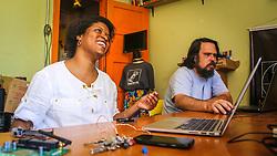 """PORTO ALEGRE, RS, BRASIL, 21-01-2017, 12h41'22"""":  Desiree dos Santos, 32, no espaço Matehackers Hackerspace, da Associação Cultural Vila Flores, no bairro Floresta da capital gaúcha. A  Consultora de Desenvolvimento de Software na empresa a ThoughtWorks fala sobre as dificuldades que enfrentadas por mulheres negras no mercado de trabalho. (Foto: Gustavo Roth / Agência Preview) © 21JAN17 Agência Preview - Banco de Imagens"""