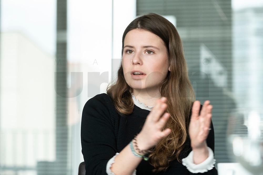 12 MAR 2020, BERLIN/GERMANY:<br /> Luisa Neubauer, Klimaschutzaktivistin, Fridays for Future, waehrend einem Interview, Redaktion Rheinische Post<br /> IMAGE: 20200312-01-027