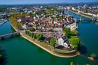 France, Saône-et-Loire (71), Chalon-sur-Saône, l'île Saint Laurent et la ville, vue aerienne // France, Saône-et-Loire (71), Chalon-sur-Saône, Saint Laurent island and the city, aerial view