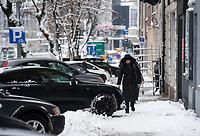Bialystok, 16.01.2019. Intensywne opady sniegu sparalizowaly miasto. Dzien wczesniej do Bialegostoku nie byly wpuszczane samochody ciezarowe w obawie przed calkowitym zablokowaniem ruchu w miescie N/z przejscie pieszych bylo utrudnone przez zalegajacy snieg fot Michal Kosc / AGENCJA WSCHOD