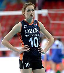 01-10-2014 ITA: World Championship Volleyball Servie - Nederland, Verona<br /> Nederland verliest met 3-0 van Servie em is uitgeschakeld voor de final 6 / Lonneke Sloetjes teleurgesteld na