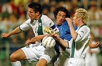 Fotball<br /> VM-kvalifisering<br /> 08.10.2005<br /> Italia v Slovenia<br /> Foto: Gepa/Digitalsport<br /> NORWAY ONLY<br /> <br /> Aleksander Knavs (SLO), Gennaro Ivan Gattuso (ITA) und Matej Mavric (SLO)