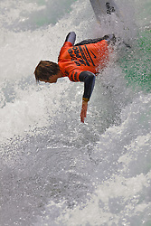 HUNTINGTON BEACH, California/USA (Sunday, July 31, 2011) Evan Geiselman rips a wave during heat1 round 8 at the Hurley US Open of Surfing. Photo: Eduardo E. Silva.