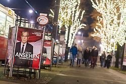 19.11.2016, Innenstadt, Wien, AUT, Wahlkampf zur Präsidentschaftswahl 2016, im Bild Plakate von Präsidentschaftskandidat Van der Bellen // placards of the green supported candidate Van der Bellen  according to austrian presidential elections iin Vienna, Austria on 2016/11/19, EXPA Pictures © 2016, PhotoCredit: EXPA/ Michael Gruber