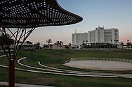 En Boqeq, strutture turistiche per i visitatori del Mar Morto.    En Boqeq, Dead Sea : tourist structures.
