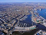 Nederland, Noord-Holland, Amsterdam, 13-02-2021; Oosterdok met Nemo, wetenschapsmuseum. Ingang IJtunnel.<br /> Oosterdok, NEMO Science Museum<br /> luchtfoto (toeslag op standaard tarieven);<br /> aerial photo (additional fee required)<br /> copyright © 2021 foto/photo Siebe Swart