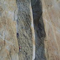 ANTARCTICA, Alex Lowe leads pitch 4 up Rakekniven spire (Queen Maud Land). Conrad Anker belays.