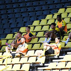 27.06.2020, xmeix, 1.Fussball Bundesliga, Borussia Dortmund - TSG 1899 Hoffenheim, empor. v.l.n.r, <br /> Dortmund Auswechselbank <br /> <br /> <br /> <br /> Foto: Sascha Meiser/APF/Pool/PIX-Sportfotos<br /> <br /> Nur für journalistische Zwecke!<br /> Only for editorial use!<br /> Nutzungsbedingungen: http://poolbilder.de/nutzungsvereinbarung.pdf<br /> <br /> Foto © PIX-Sportfotos *** Foto ist honorarpflichtig! *** Auf Anfrage in hoeherer Qualitaet/Aufloesung. Belegexemplar erbeten. Veroeffentlichung ausschliesslich fuer journalistisch-publizistische Zwecke. For editorial use only. DFL regulations prohibit any use of photographs as image sequences and/or quasi-video.