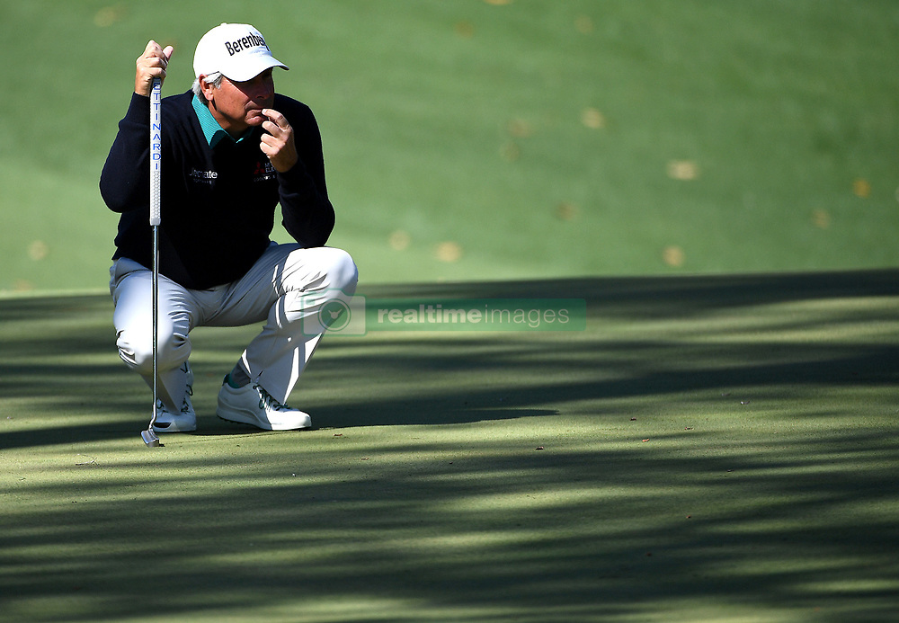 Fred Couples lines up a putt on the 10th green during the second round of the Masters Tournament at Augusta National Golf Club in Augusta, Ga., on Friday, April 7, 2017. (Photo by Jeff Siner/Charlotte Observer/TNS)  *** Please Use Credit from Credit Field ***