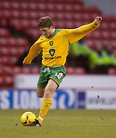 Photo: Jed Wee.<br />Sheffield United v Norwich City. Coca Cola Championship.<br />26/12/2005.<br />Norwich's Paul McVeigh fires in a shot on goal.