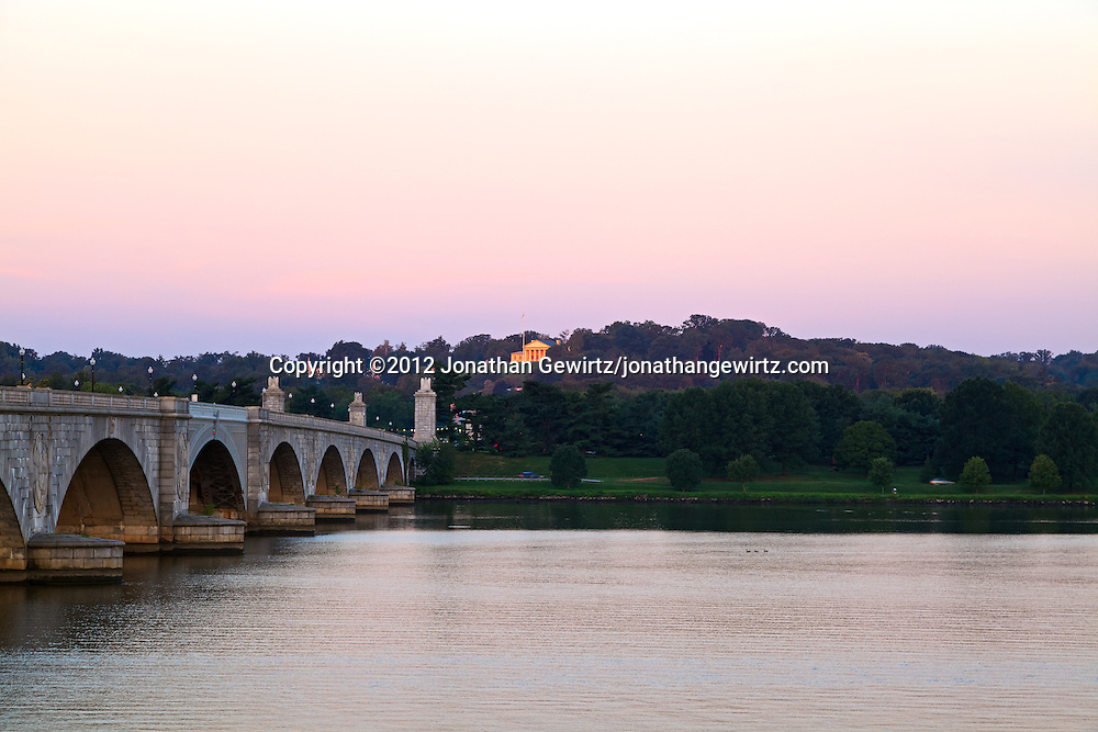 An early morning view of Arlington Memorial Bridge and the Robert E. Lee Memorial, also known as Arlington House, from the Washington side of the Potomac River. WATERMARKS WILL NOT APPEAR ON PRINTS OR LICENSED IMAGES.