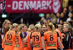 18-12-2015 DEN: World Championships Handball 2015 Poland  - Netherlands, Herning<br /> Halve finale - Nederland staat in de finale door Polen met 30-25 te verslaan / Jessy Kramer #5, Debbie Bont #7