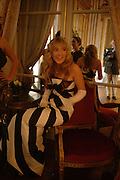 Theodora Warre. Getting Ready for the 2005 Crillon Debutante Bal. Crillon Hotel, Paris. 25  November 2005. ONE TIME USE ONLY - DO NOT ARCHIVE  © Copyright Photograph by Dafydd Jones 66 Stockwell Park Rd. London SW9 0DA Tel 020 7733 0108 www.dafjones.com