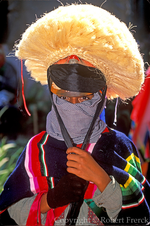 MEXICO, CHIAPAS, FESTIVALS Fiesta de Enero, Parachicos costume