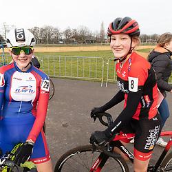 11-01-2020: Wielrennen: NK Veldrijden: Rucphen<br />(29) Carmen van der Veen,  (8) Jette de Groot