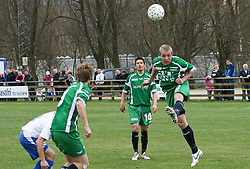 FODBOLD: Patrick Petersen (Helsingør) header under kampen i Kvalifikationsrækken, pulje 1, mellem Rishøj Boldklub og Elite 3000 Helsingør den 9. april 2007 på Rishøj Stadion. Foto: Claus Birch