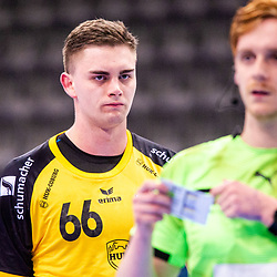 kritischer Blick von Stepan Zeman (HSC 2000 Coburg #66) ; 1. Handball-Bundesliga, HBL: TVB Stuttgart - HSC 2000 Coburg am 06.02.2021 in Stuttgart (PORSCHE Arena), Baden-Wuerttemberg<br /> <br /> Foto © PIX-Sportfotos *** Foto ist honorarpflichtig! *** Auf Anfrage in hoeherer Qualitaet/Aufloesung. Belegexemplar erbeten. Veroeffentlichung ausschliesslich fuer journalistisch-publizistische Zwecke. For editorial use only.