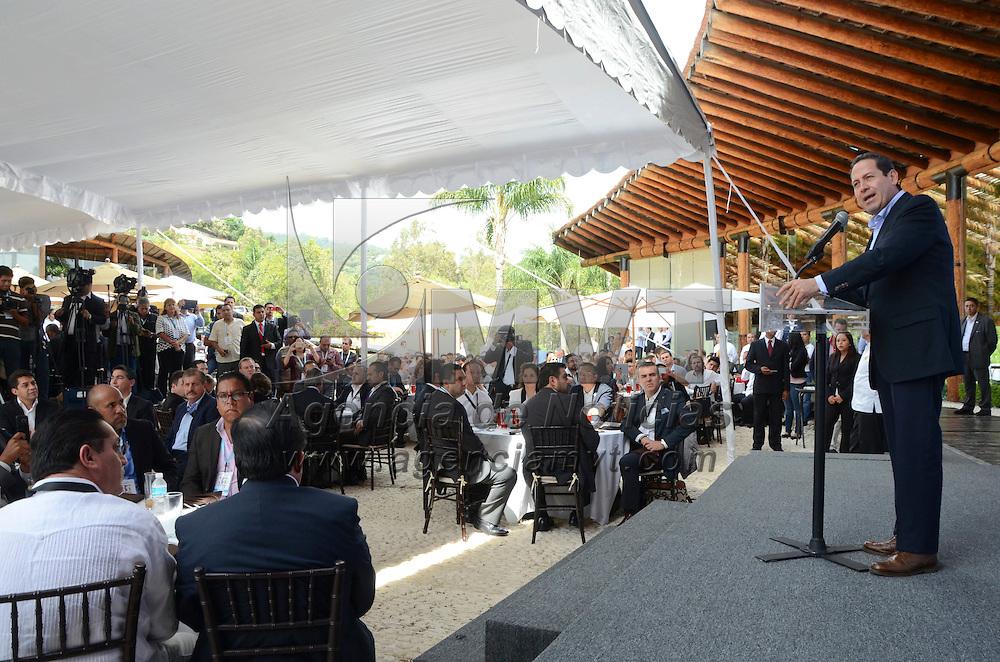 Valle de Bravo, Méx.- Eruviel Ávila Villegas, gobernador del Estado de México durante la 35 Conferencia Nacional de Mejora Regulatoria. Agencia MVT / José Hernández