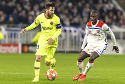 February 19, 2019 - Lyon, França - LYON, LY - 19.02.2019: LYON X BARCELONA - Lionel Messi of Barcelona and Mendy of Lyon during the match between Lyon and Barcelona held at Parc Olympique Lyonnais in Lyon. The match is valid for the octaves of the Champions League 2018/2019. (Credit Image: © Richard Callis/Fotoarena via ZUMA Press)