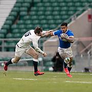 Londra 13/02/2021, Twickenham Stadium<br /> Guinness Six Nations 2021<br /> Inghilterra vs Italia <br /> Monty Ioane si libera del placcaggio di Elliot Daly