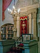 Wnętrze synagogi Remuh na krakowskim Kazimierzu. Aron ha-kodesz, szafa ołtarzowa, służąca do przechowywania zwojów Tory.<br /> Remuh Synagogue inside Krakow's Kazimierz district. Aron ha-kodesh, an altar closet for storing the scrolls of the Torah.