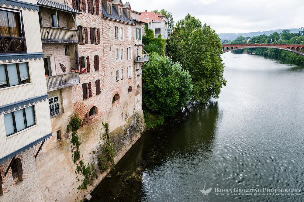 France, Villeneuve-sur-Lot. Old town by the Lot River. The Lot River.