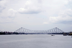 May 2, 2019 - Kolkata, West Bengal, India - Overcast sky due to cyclonic storm Fani which likely to landfall at tomorrow near Puri. (Credit Image: © Saikat Paul/Pacific Press via ZUMA Wire)