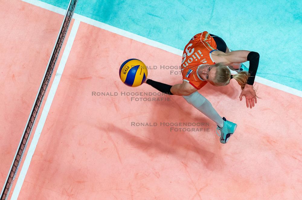 28-05-2019 NED: Volleyball Nations League Netherlands - Brazil, Apeldoorn<br /> <br /> Anniek Siebring #30 of Netherlands