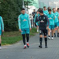 16.09.2020, Trainingsgelaende am wohninvest WESERSTADION - Platz 12, Bremen, GER, 1.FBL, Werder Bremen Training<br /> <br /> <br /> Spieler kommen zum Training<br /> <br /> Davy Klaassen (Werder Bremen #30)<br /> Milos Veljkovic (Werder Bremen #13)<br /> Danijel Zenkovic (Co-Trainer SV Werder Bremen)<br /> <br /> Querformat<br /> <br /> Foto © nordphoto / Kokenge