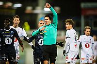Fotball , 28 Oktober 2017 , Eliteserien , Kristiansund - Odd , Martin Lundby blåser frisparket som Odd utligner på til store protester<br /> <br /> <br />  , Foto: Marius Simensen, Digitalsport