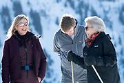 Fotosessie met de koninklijke familie in Lech /// Photoshoot with the Dutch royal family in Lech .<br /> <br /> Op de foto/ On the photo: Prinses Beatrix  en koning Willem Aklexander ewn Koningin Maxima ////  Princess Beatrix and King Willem Alexander and Queen Maxima