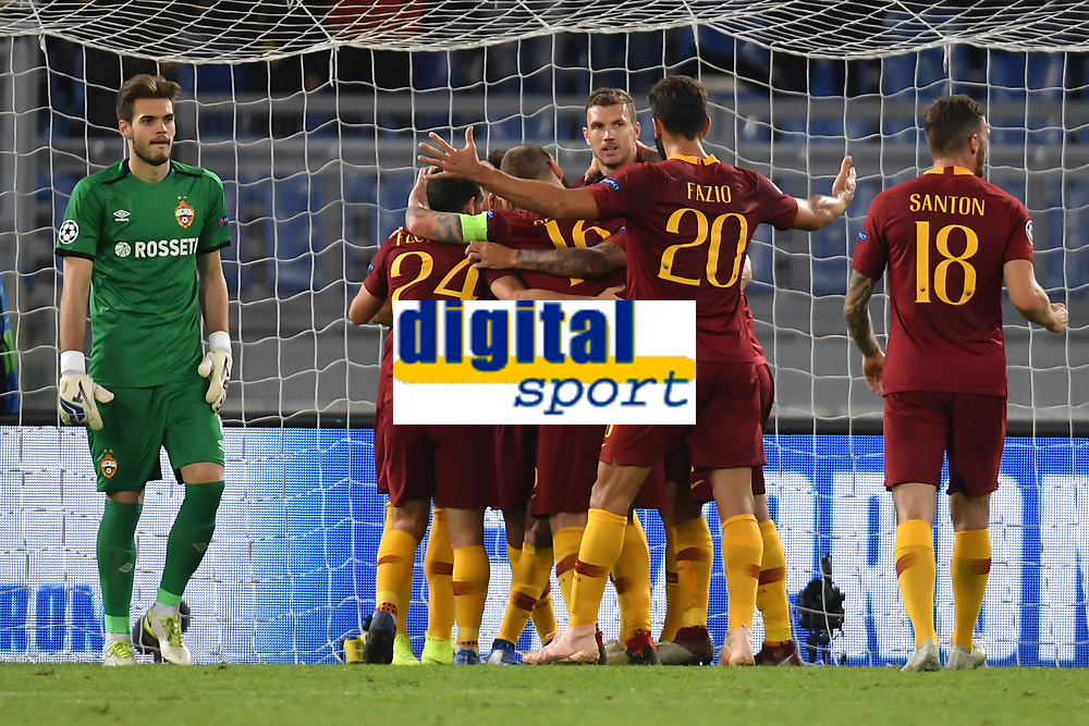 Edin Dzeko of AS Roma celebrates with team mates after scoring the goal  of 2-0 during the Uefa Champions League 2018/2019 Group G football match between AS Roma and CSKA Moscow at Olimpico stadium Allianz Stadium, Rome, October, 23, 2018 <br />  Foto Andrea Staccioli / Insidefoto
