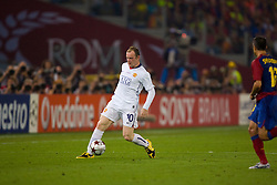 ROME, ITALY - Tuesday, May 26, 2009: Manchester United's Wayne Rooney in action against Barcelona during the UEFA Champions League Final at the Stadio Olimpico. (Pic by Carlo Baroncini/Propaganda)
