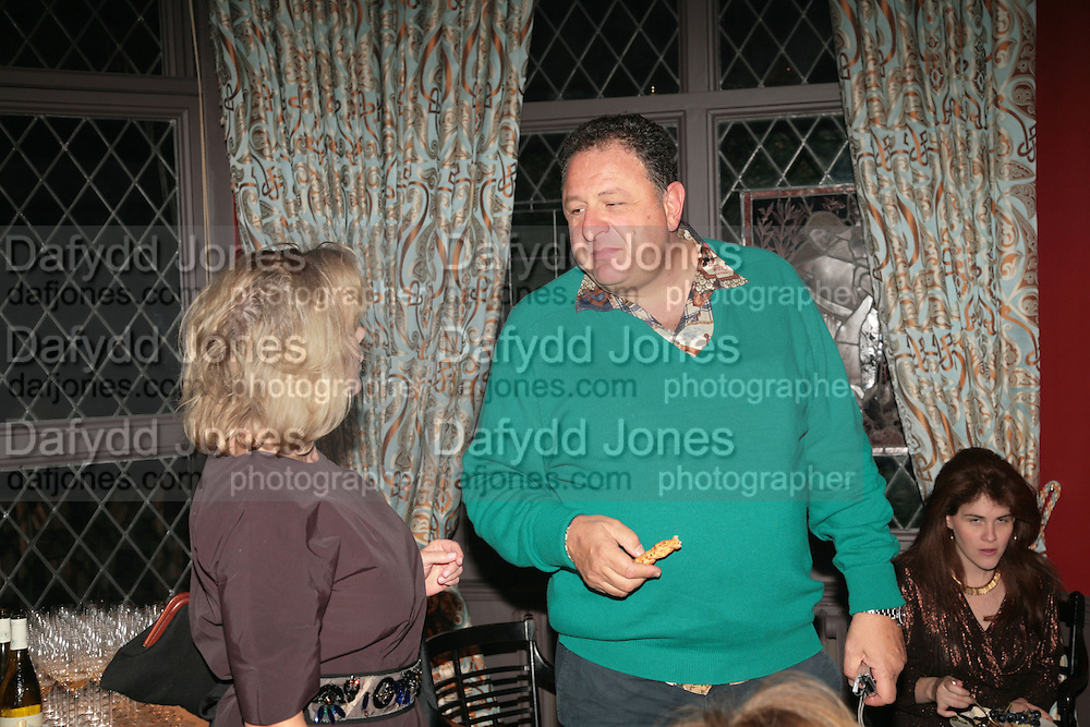 KAY SAATCHI, JOHNNY PIGOZZI AND CARY LEITZES, Party for David LaChapelle and Ron Arad given by Ivor Braka. Cadogan sq. London. 10 October 2007. -DO NOT ARCHIVE-© Copyright Photograph by Dafydd Jones. 248 Clapham Rd. London SW9 0PZ. Tel 0207 820 0771. www.dafjones.com.