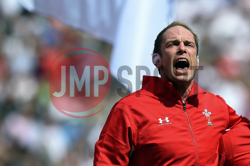 Alun Wyn Jones of Wales sings the national anthem - Mandatory byline: Patrick Khachfe/JMP - 07966 386802 - 11/08/2019 - RUGBY UNION - Twickenham Stadium - London, England - England v Wales - Quilter International