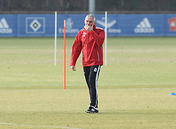 18.02.2014, Imtech Arena, Hamburg, GER, 1. FBL, HSV Training, im Bild Mirko Slomka (Trainer / HSV) // during a Trainingssession of German Bundesliga Club Hamburger SV Imtech Arena in Hamburg, Germany on 2014/02/18. EXPA Pictures © 2014, PhotoCredit: EXPA/ Eibner-Pressefoto/ DAP<br /> <br /> *****ATTENTION - OUT of GER*****