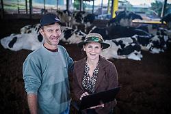 Casal Peretto, produtores de leite e alunos do programa ALFA - visa alfabetização de adultos no meio rural, em Frederico Westfalen. FOTO: Jefferson Bernardes/ Agência Preview