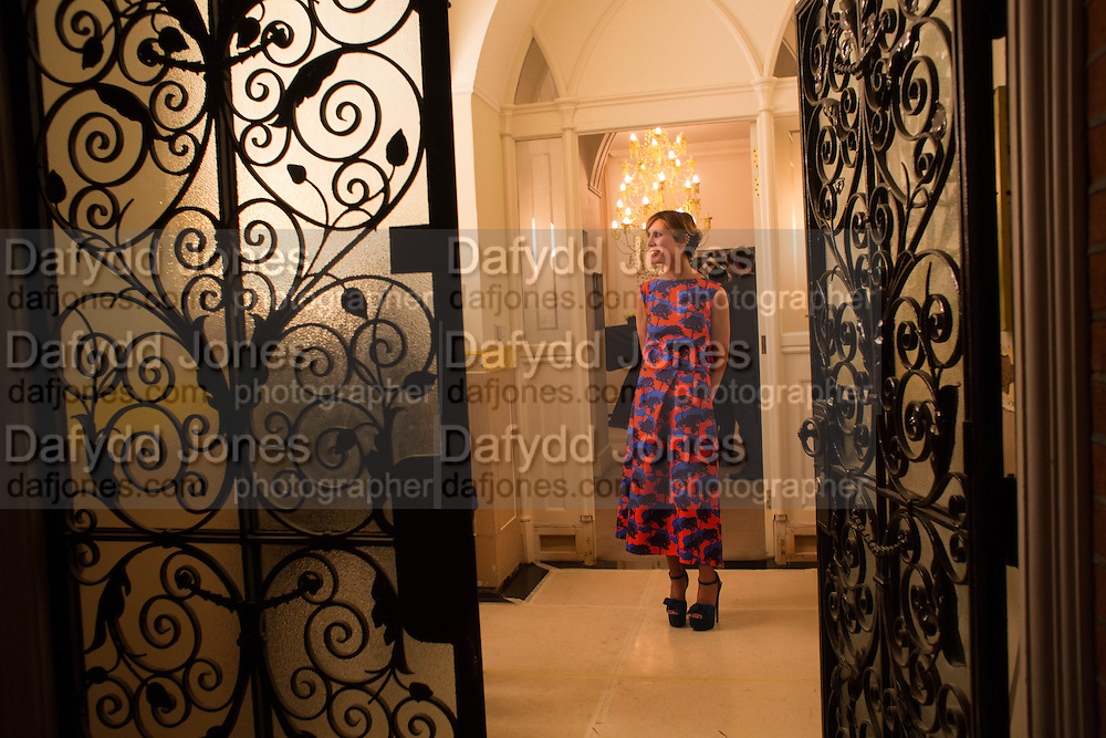 VALERIA NAPOLEONE, Valeria Napoleone hosts a dinner at her home in honour of Judith Hopf in cerebration of her new commission at Studio Voltaire. London. 15 October 2013