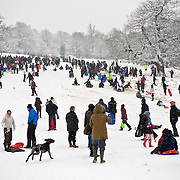 .Richmond - England  Feb 2nd   The snow which crippled South East England this morning will stay with the UK for the rest of the week, forecasters warn,..***Standard Licence  Fee's Apply To All Image Use***.XianPix Pictures  Agency . tel +44 (0) 845 050 6211. e-mail sales@xianpix.com .www.xianpix.com